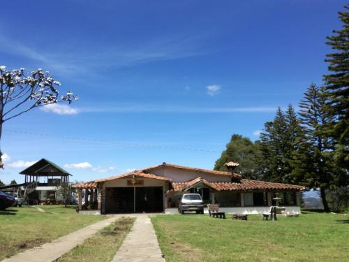 Al Bosque Hostel & Glamping