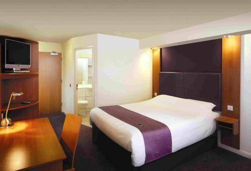 Premier Inn Coventry South (A45)