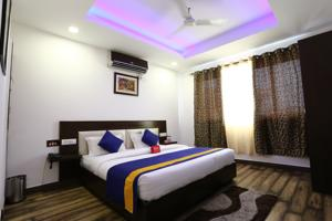 OYO Rooms Zirakpur Bus Stand Hotel  Hotels  Chandīgarh