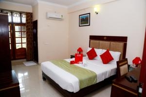 OYO Rooms Pattom Marappalam Road Hotel  Hotels  Trivandrum