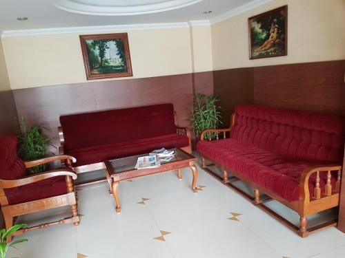 Hotel The Samrat