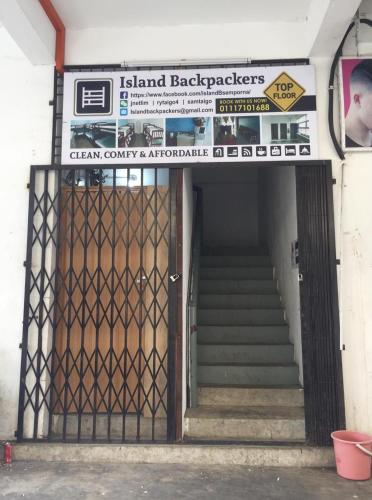 Island Backpackers