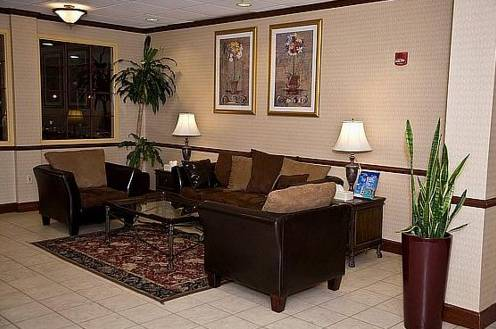Holiday Inn Cleveland Airport
