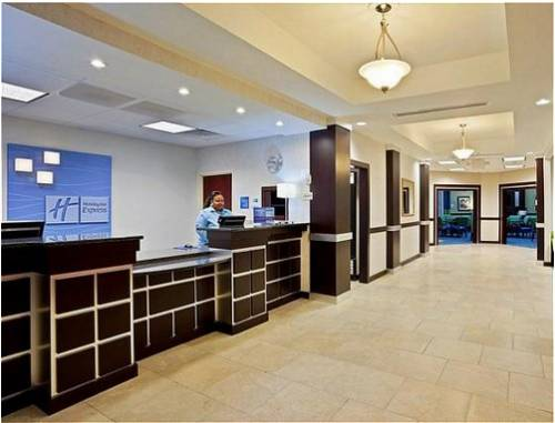 Holiday Inn Express Hotel and Suites Akron South-Airport Area